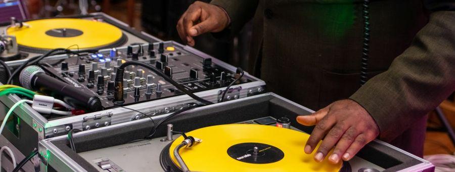 Trouver le DJ qu'il vous faut pour le jour J