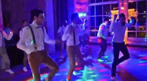 AMAZING GROOMSMEN & SURPRISE NEWLYWEDS DANCE - FRENCH BEAUJOLAIS WEDDING DANCE