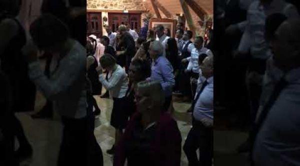 Mariage de E. et N. au Moulin de Saint-Yves (Pont-Scorff, 56) [Décembre 2018]