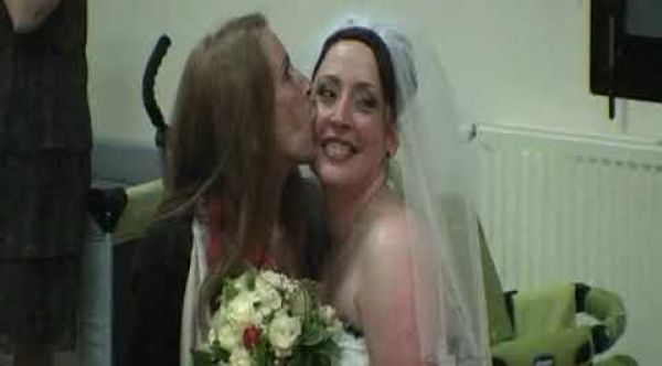 animation mariage le lancé du bouquet