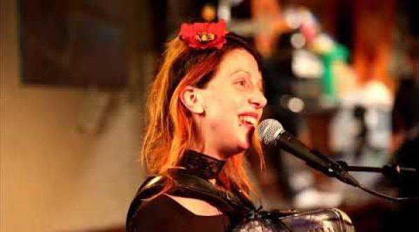 Quand tu me tiens- Nini POULAIN- live la motte aux cochons 8 fevrier 2019