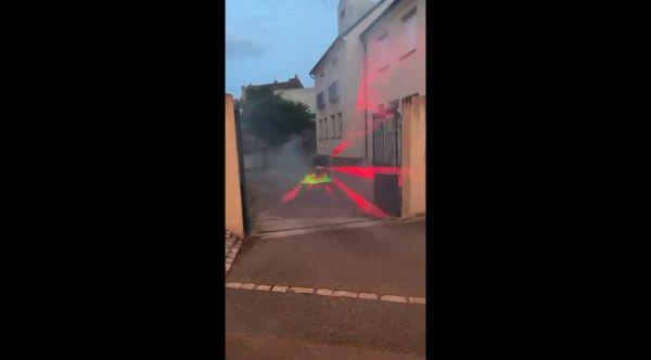 test du Laserevopro 4w RGB avec Pangolin QUICKSHOW et Chauvet HURRICANE HAZE 4D