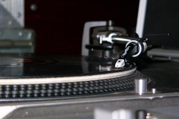 DJ Snowbello