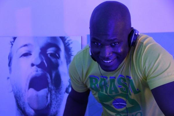 We DJ
